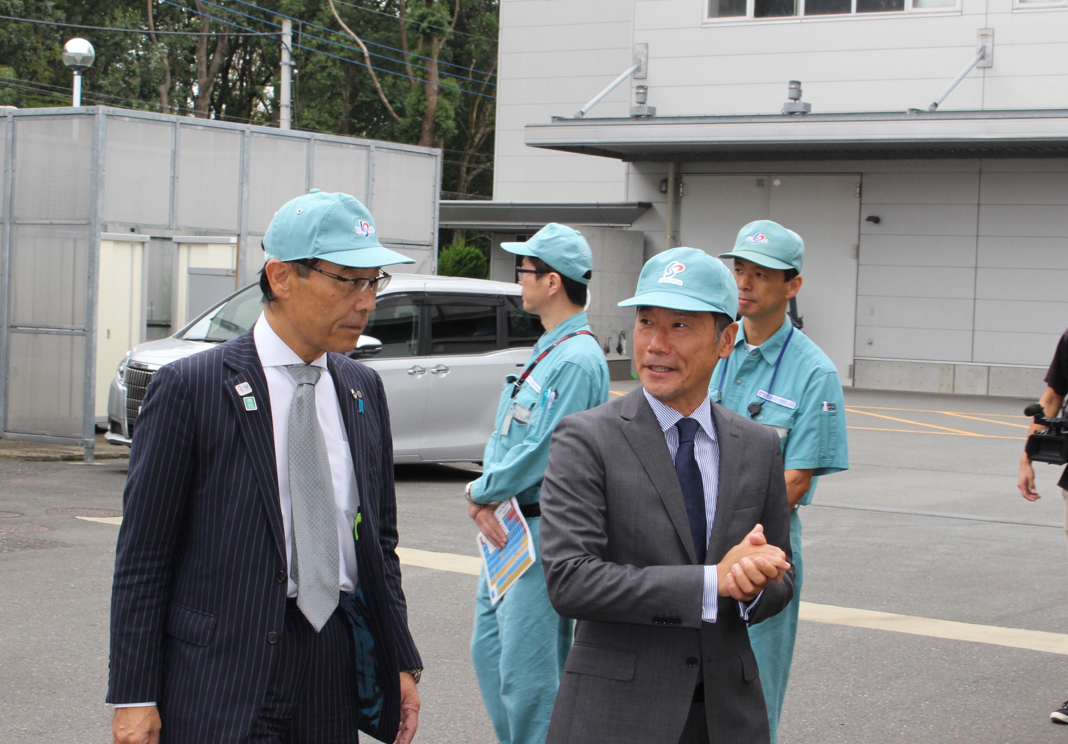 埼玉県の大野知事が弊社へ来訪されました